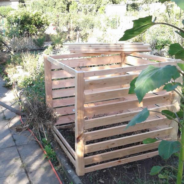 Kompost wird befüllt